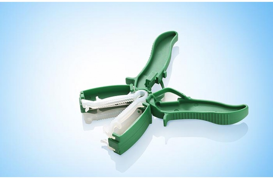 Disposable umbilical cord clamps